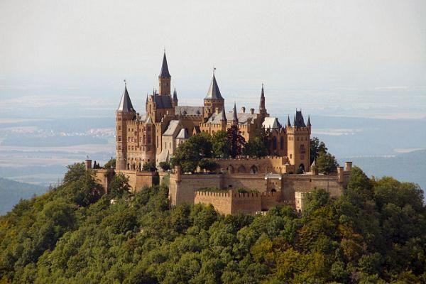 第4名德國霍亨索倫城堡