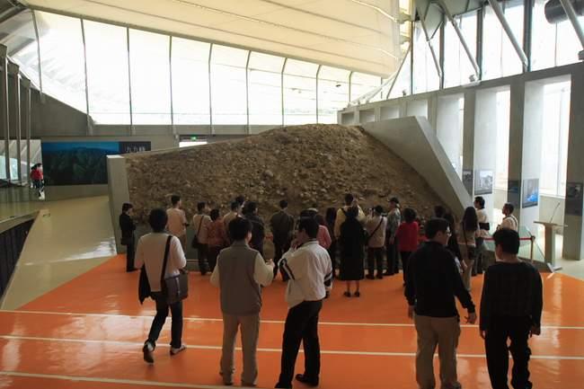 地震博物館---光復國小的斷層隆起